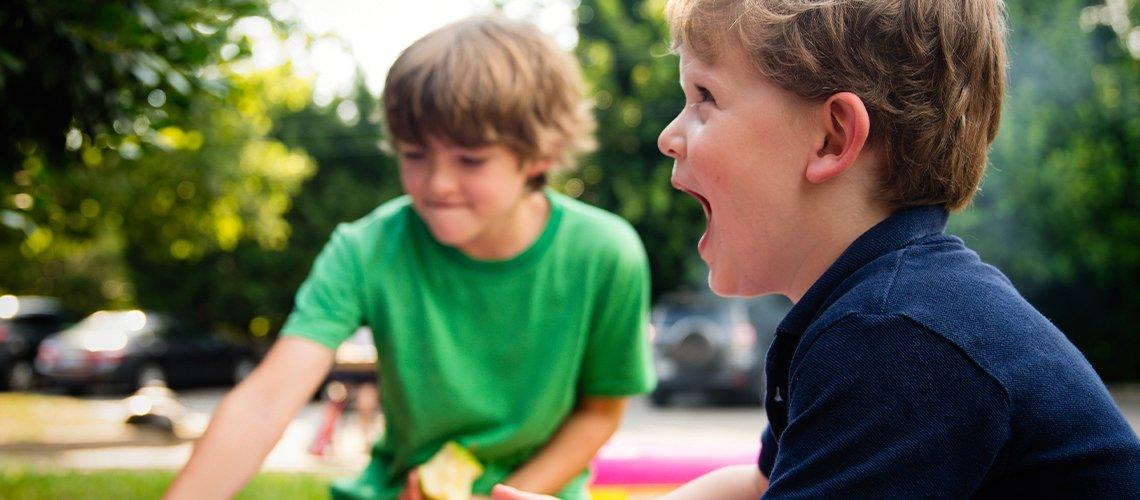Чем занять детей на даче летом